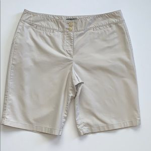 Ann Taylor Signature Fit Shorts Size 14
